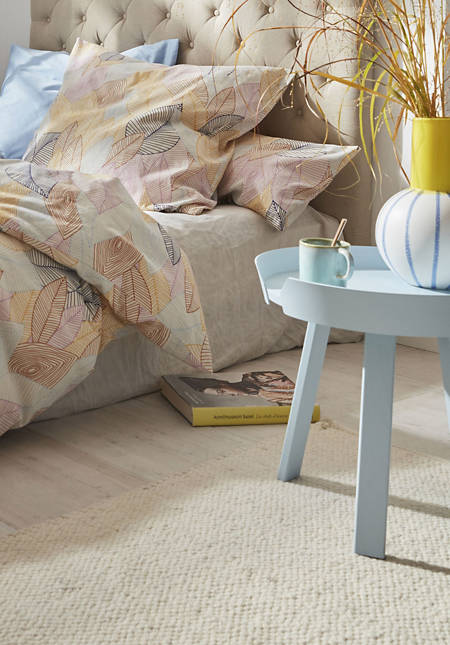 Woven carpet made of pure dyke sheep wool