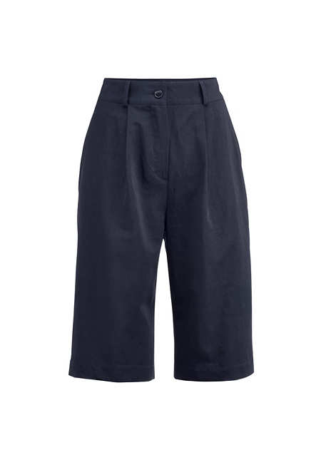 Bermuda shorts made of organic cotton with linen